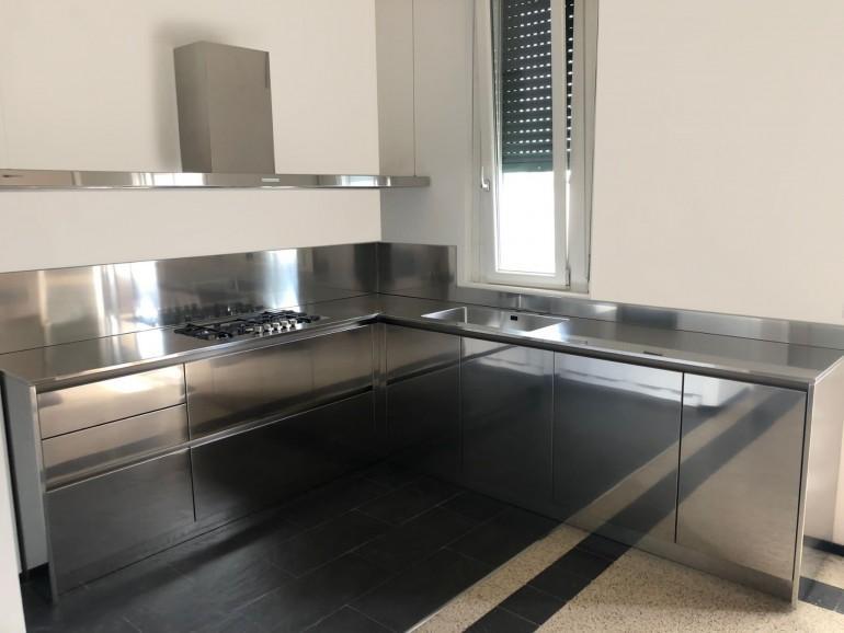 004 modif C184 Cucina in acciaio inox e bianco Steellart