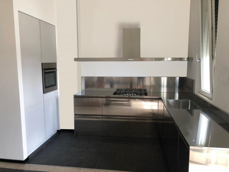 007 modif C184 Cucina in acciaio inox e bianco Steellart
