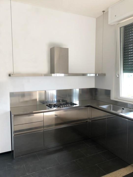 008 modif C184 Cucina in acciaio inox e bianco Steellart