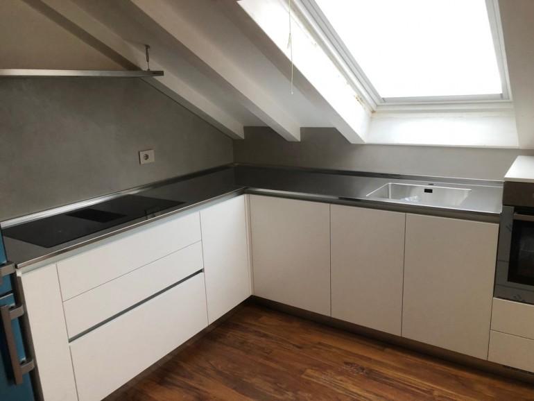 018 C177 Cucina in laminato bianco con top inox Steellart
