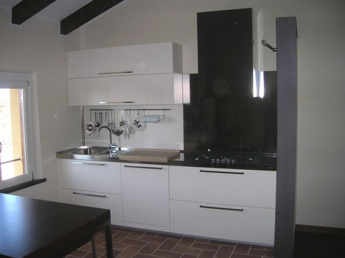 C025 Cucina lineare con top in acciaio inox - Küchen - Steellart