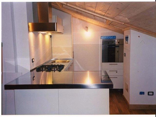 1189699700 C07 Corner kitchen with snack area Steellart