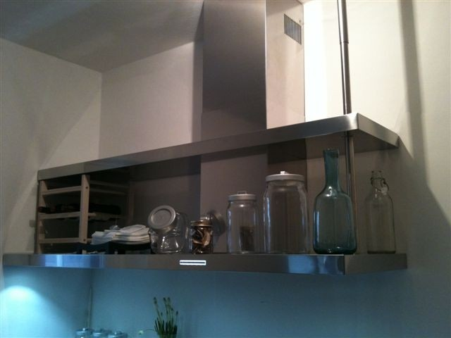 Id24 cappa a parete asimmetrica interior design - Scarico fumi cappa cucina a parete ...