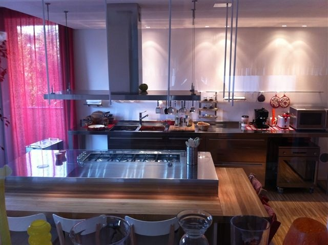 C40 Cucina a parete con isola centrale - Küchen - Steellart
