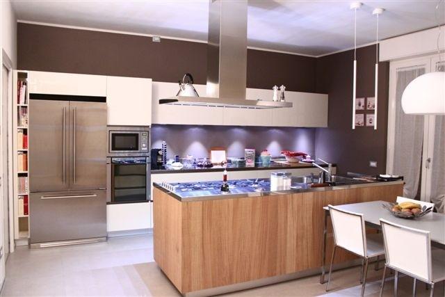 1330603027 C63 Island and wall kitchen Steellart