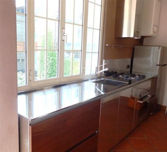 1340037502 C44 Stainless steel kitchen centre under the window Steellart