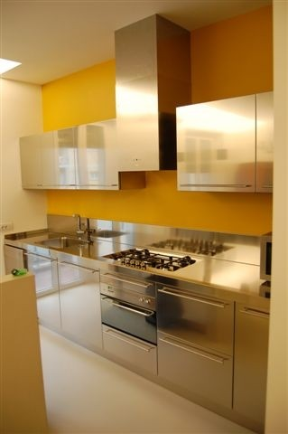 1365863271 C50 Stainless steel kitchen centre with wall cabs Steellart