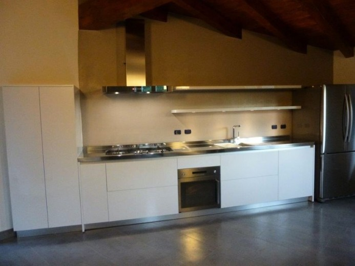 1380214625 C56 Wall kitchen with shaped high cabinet Steellart
