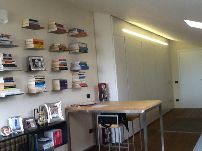 Ale sop4 18 giu. A13  libreria in  ferro su  soppalco Steellart