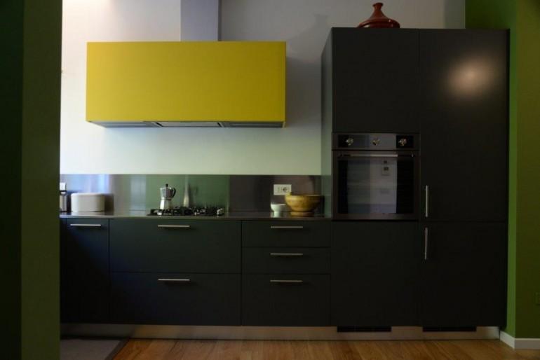 Alice 3 26 11 C172 Cucina ad angolo sottofinestra , con vista Steellart