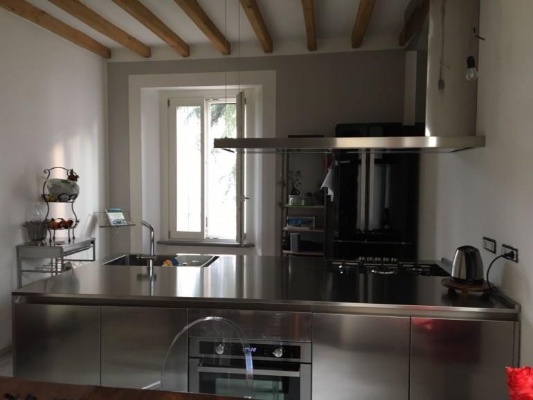 cucina inox a penisola