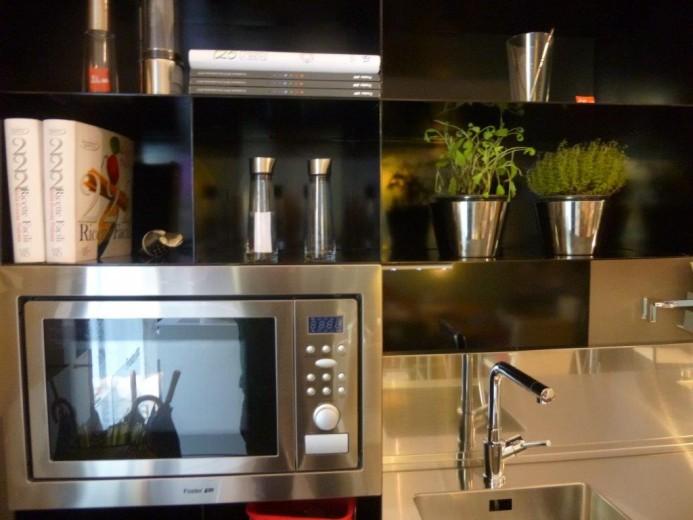 Black kitchen particolare 1 ridk 10 febbraio 2015 C82 Blackitchen Steellart