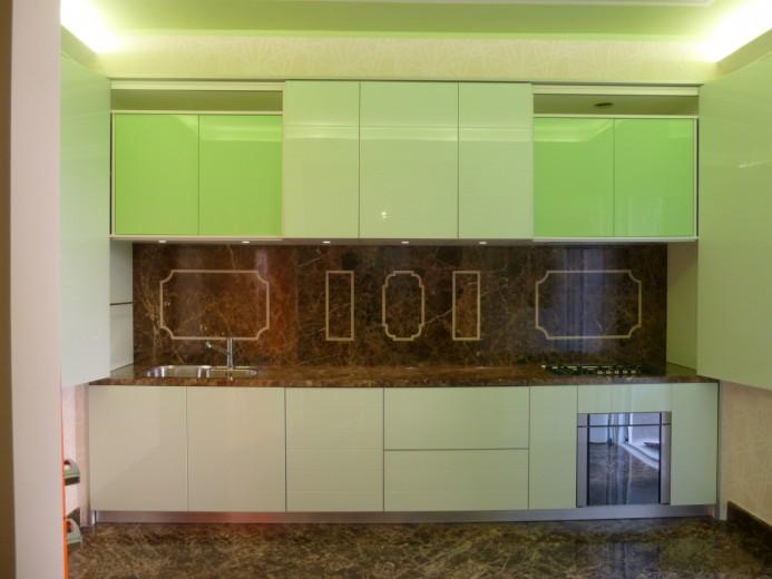 Bocchia aperta con illuminazione settembre 14 C75  Cucina  con  sipario Steellart