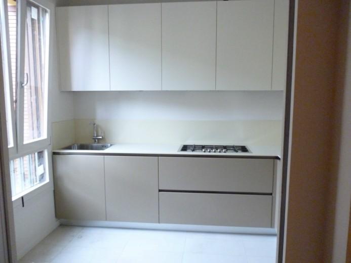 C014 Cucina ad angolo laccato-corian - Küchen - Steellart
