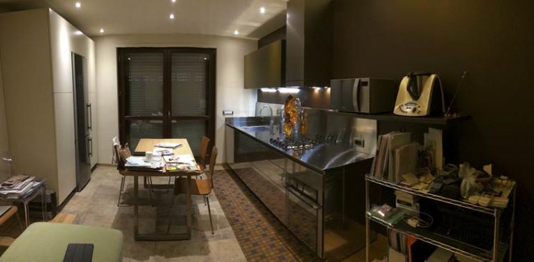 Cengiarolo 3 aprile 2015(1) C85 cucina su  due  pareti Steellart