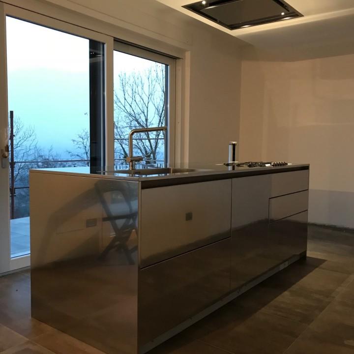 C136 cucina a isola in acciaio inox l244cm x 95cm cucine in acciaio inox cucine di design - Cucina in acciaio inox ...