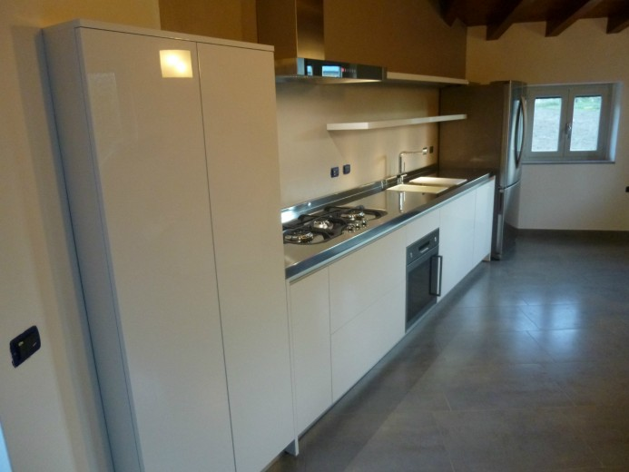 Cozzi 6 C56 Cucina a parete con colonna sagomata Steellart