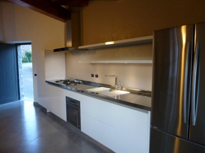 Cozzi 7 C56 Cucina a parete con colonna sagomata Steellart