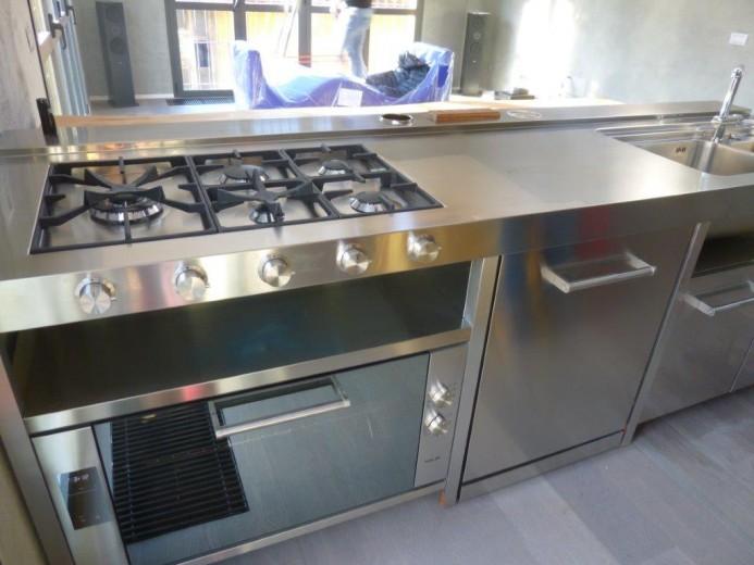 C90 cucina inox a penisola freestanding con tavolo in - Cucina penisola tavolo ...