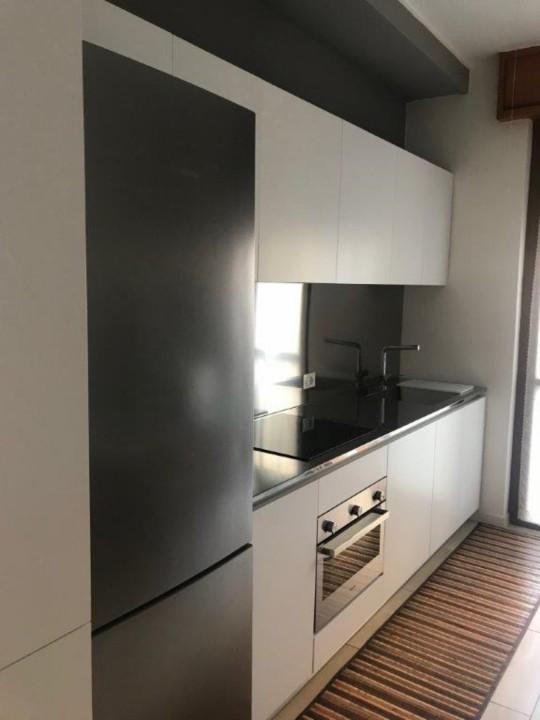 Finca 1 rid. C 162 cucina bianca con top e schienale in acciaio inox Steellart