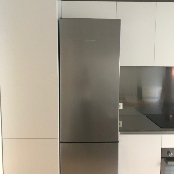 Finca 2rid.(1) C 162 cucina bianca con top e schienale in acciaio inox Steellart