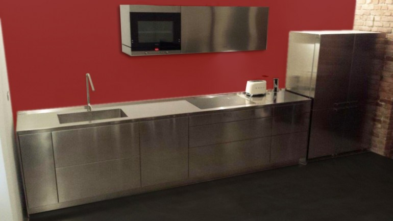 Gregori cucina inox rosso 2  C98 Cucina di design in acciaio inox per parete L 490cm Steellart