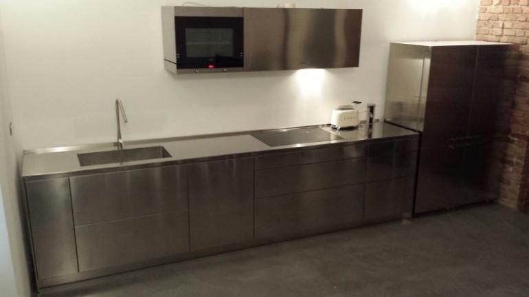 C98 Cucina di design in acciaio inox per parete L 490cm ...