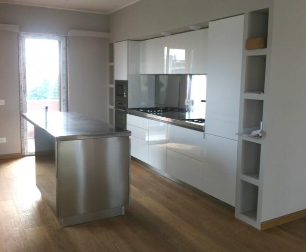 C71 cucina a parete con bancone a isola - Cucine in acciaio inox ...