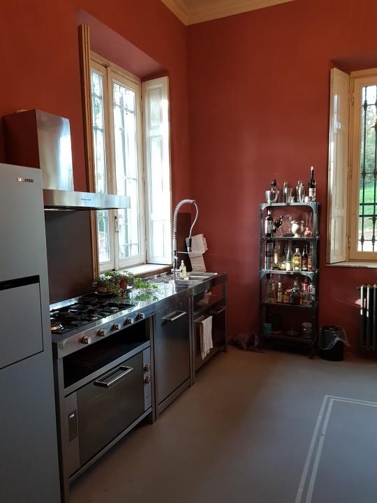 Cucina in acciaio freestanding