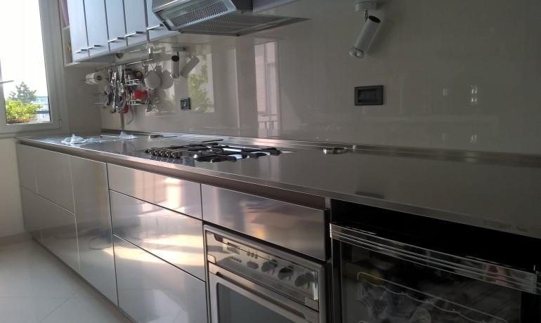 C114 Cucina in acciaio inox L 420cm - Cucine - Steellart - Piacenza