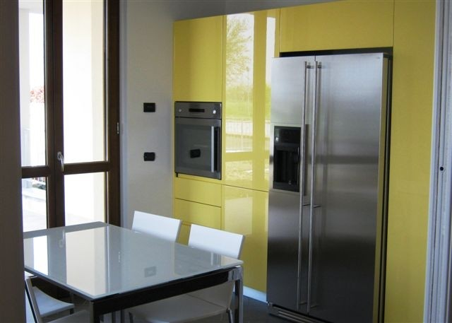 Colonne cucina con frigo side by side in acciaio inox