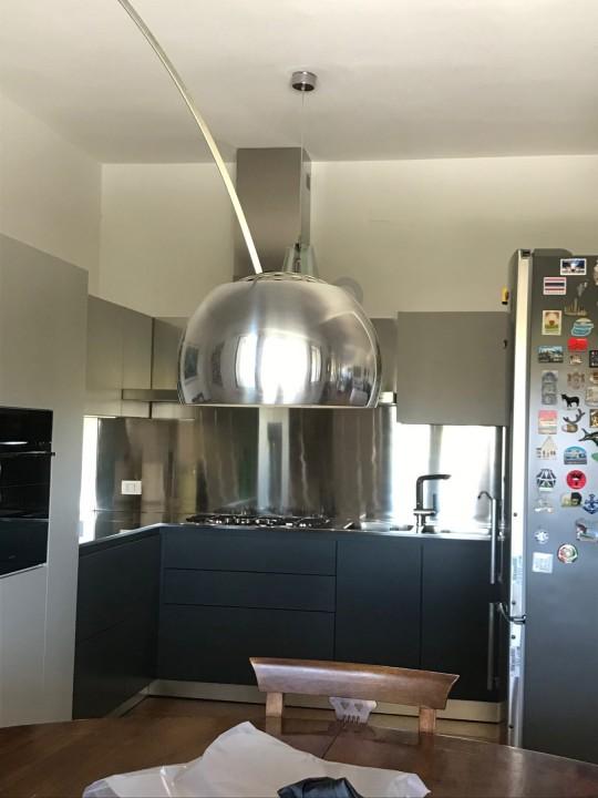 Puppo 2  C175 Cucina ad angolo inox, grigio Londra e grigio cenere Steellart