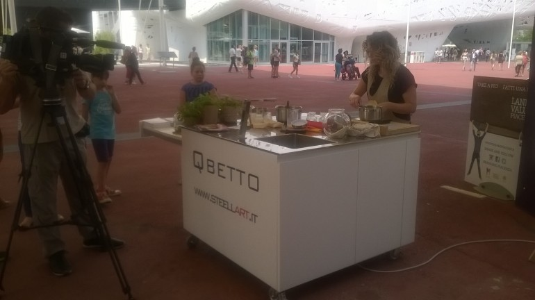 Qbetto expo 11(1) Der QBETTO in EXPO 2015 (Deutsch Version) Steellart