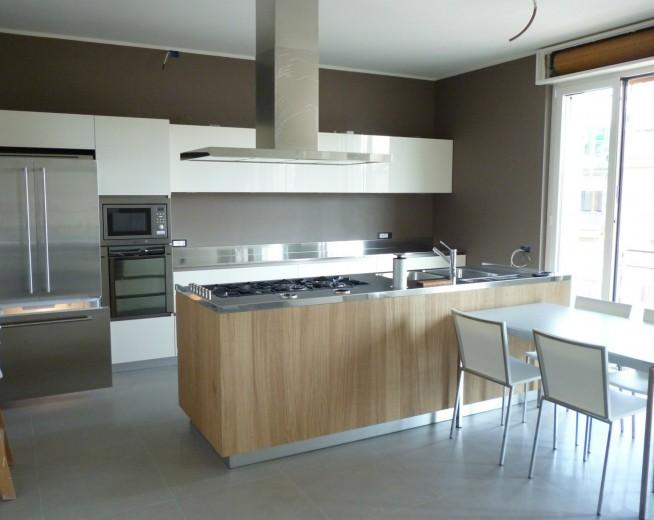 C013 cucina a parete con blocco a isola 240x82 cucine steellart piacenza - Cucine a parete ...