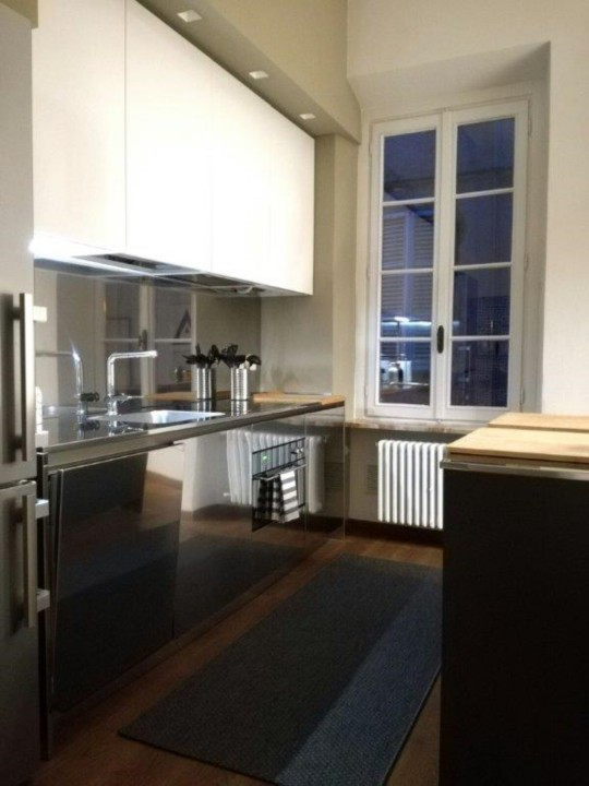 cucina in acciaio con isola