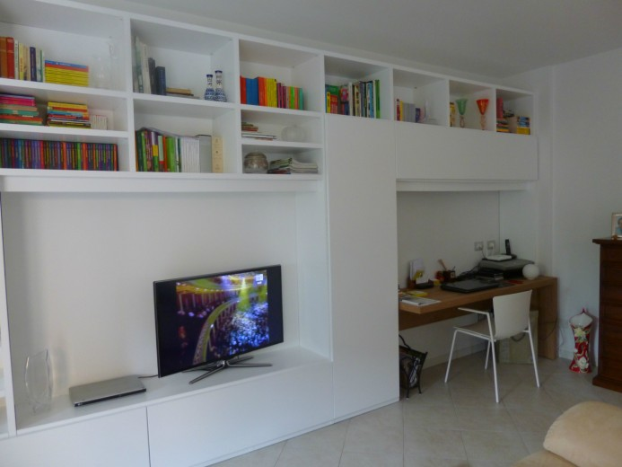 Tagliaferri libreria sala 2 giugno 2014 A 14  libreria con scrivania Steellart