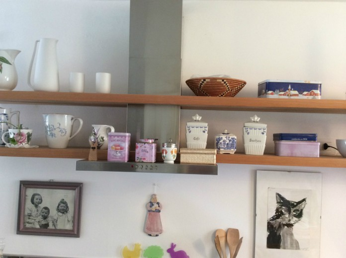 C116 cucina inox e bianca lineare con mensole - Cucine in ...