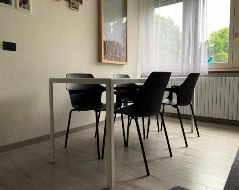 Tavolo acciaio verniciato e sedie colos rid. IT74 Tavolo acciao verniciato sedie Colos Steellart