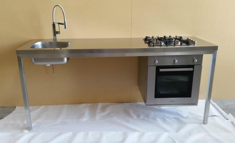 tavolo/cucina  acciaio inox L 210cm