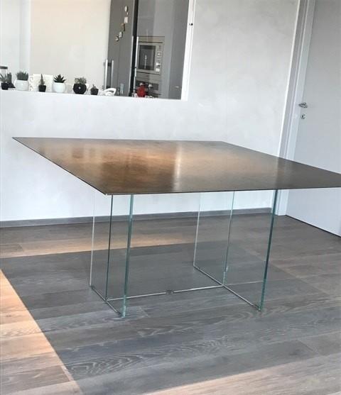 Tavolo Blade vetro/corten
