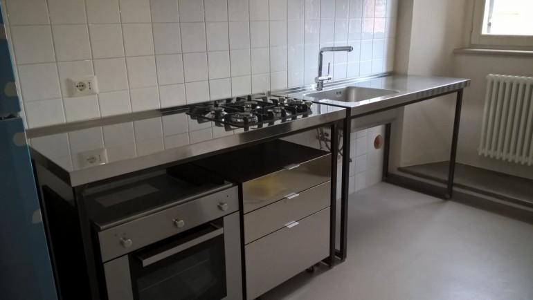 C125 Cucina in acciaio inox e ferro a moduli indipendenti - Cucine ...
