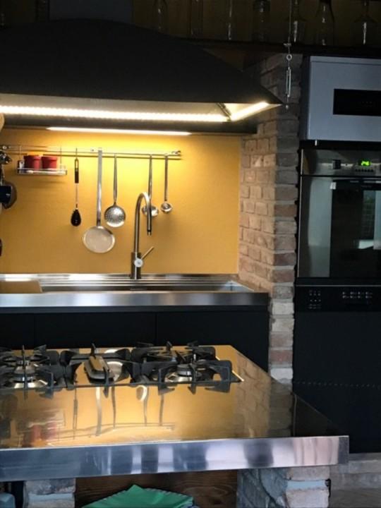 montesanto1 C146 cucina inox, cotto e fenix Steellart