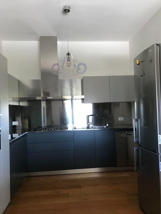 puppo 13 C175 Cucina ad angolo inox, grigio Londra e grigio cenere Steellart